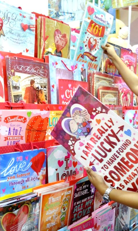 women-busy-shopping-ahead-of-valentine-s-day-in