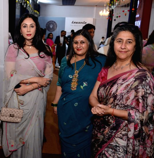 Chief Guest Princess Diya Kumari of Jaipur, Anshu Khanna, founder Royal Fables with Dinaz Madhukar of DLF Emporio