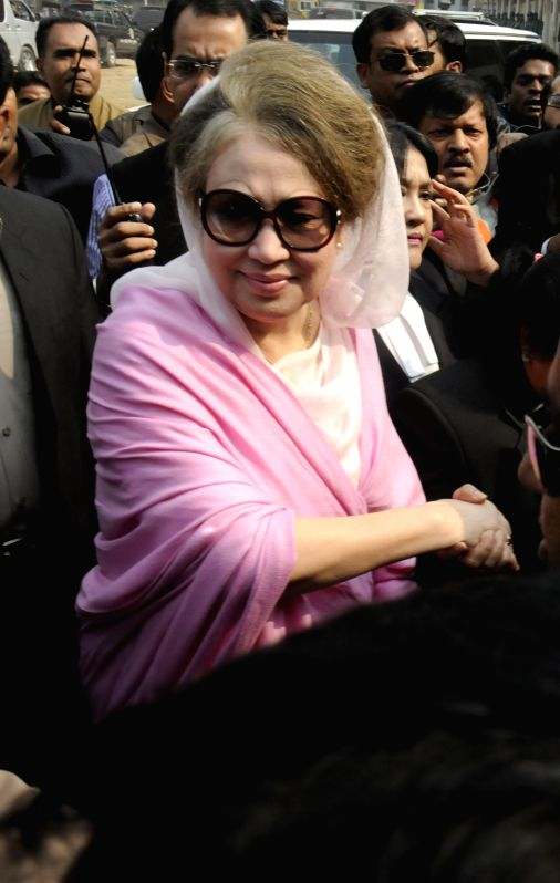 Former Bangladeshi prime minister Khaleda Zia arrives for a court hearing in two graft cases in Dhaka, Bangladesh, Dec. 24, 2014. Bangladesh police ... - Khaleda Zia