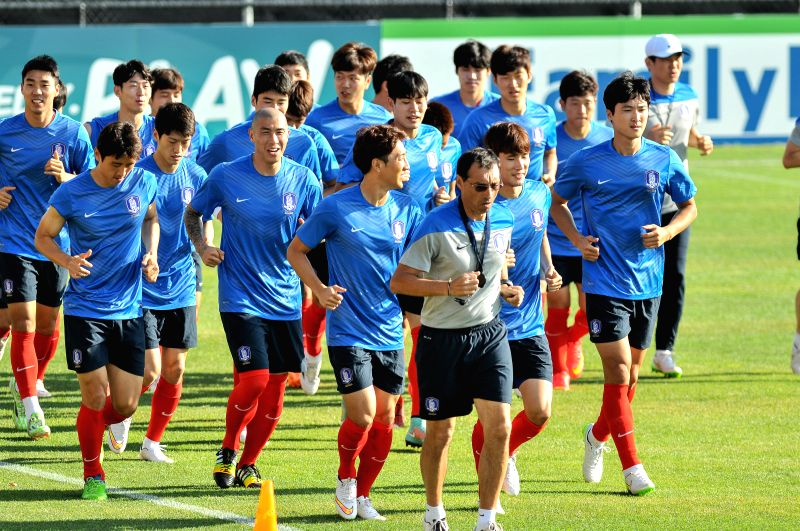Players of South Korea attend a training session at Deakin Stadium in Canberra, Australia, Jan. 6, 2015. South Korea's first match at this Asian Cup ...