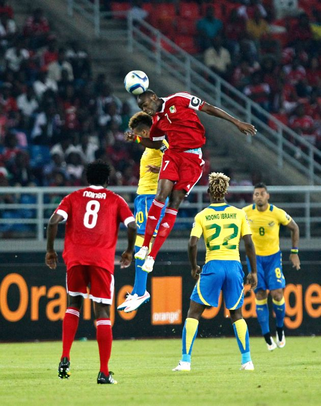 Congo's Prince Alban Oniangue (C) competes during a group match of African Cup of Nations against Gabon in Bata, Equatorial Guinea, Jan. 21, 2015. Congo ...