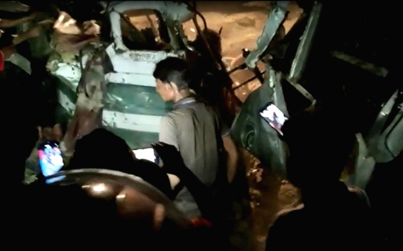 16 dead, around 30 injured as bus collides with three-wheeler in UP's Kanpur