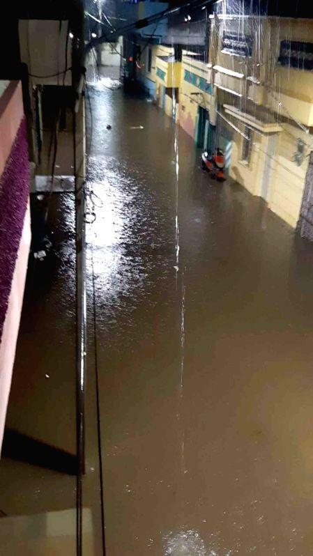 2 killed as heavy rain inundates Hyderabad again