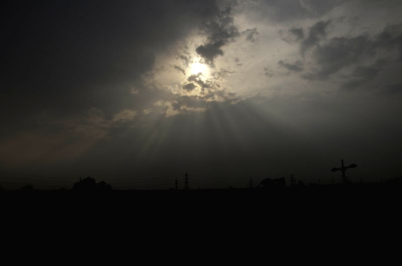 A cloudy sky in New Delhi on Oct 28, 2015.