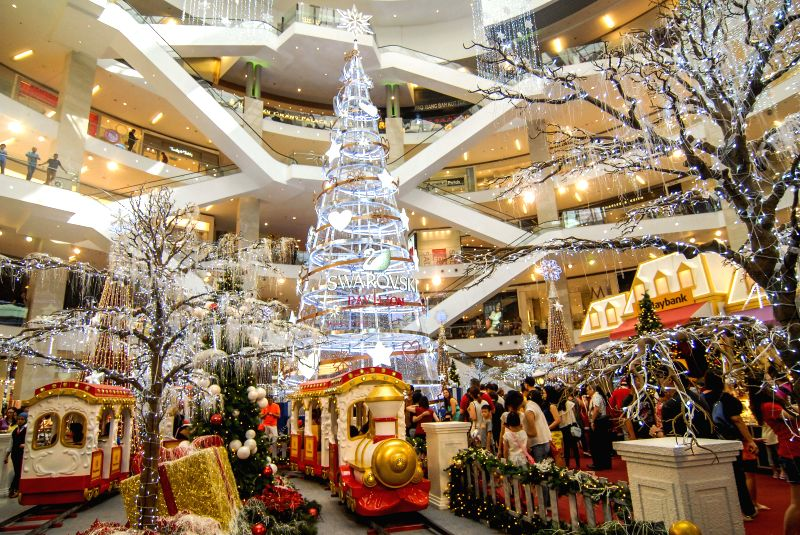 A crystal Christmas tree is seen at a shopping mall in Kuala Lumpur, Malaysia, Nov. 29, 2015. The 23-meter-high Christmas tree was made of 170,000 pieces of ...