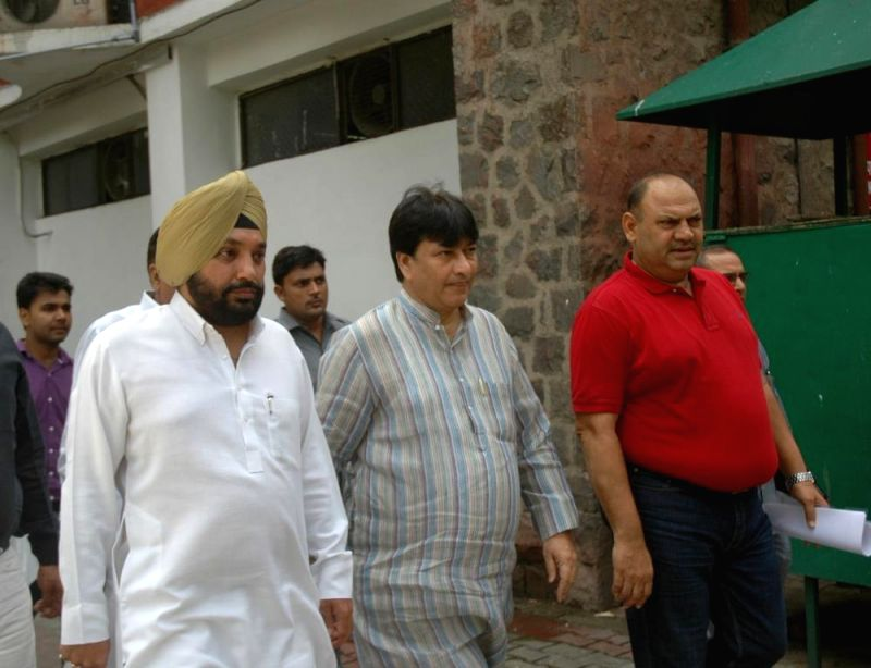 A delegation led by Delhi Congress chief Arvinder Singh Lovely comes out after meeting Chief Election Commissioner V.S. Sampath regarding speedy changes in the Delhi Police and Delhi Administration .. - Arvinder Singh Lovely