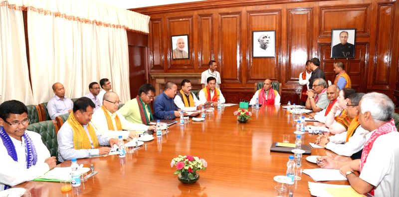 A delegation of All Assam Students' Union (AASU) meeting the Union Home Minister Rajnath Singh, in New Delhi on April 26, 2017. Also seen Assam Chief Minister Sarbananda Sonowal and the ... - Rajnath Singh