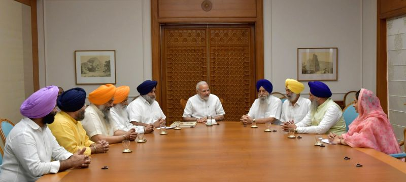 A delegation of SGPC led by Union Food Processing Industries Minister Harsimrat Kaur Badal calls on Prime Minister Narendra Modi, in New Delhi, on June 8, 2017. - Harsimrat Kaur Badal and Narendra Modi