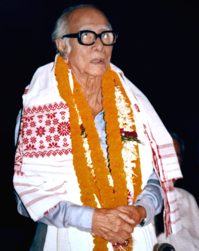 (A file Photo) Veteran sports journalist Pulin Das who died at the age of 97 in Guwahati on July 16, 2014.
