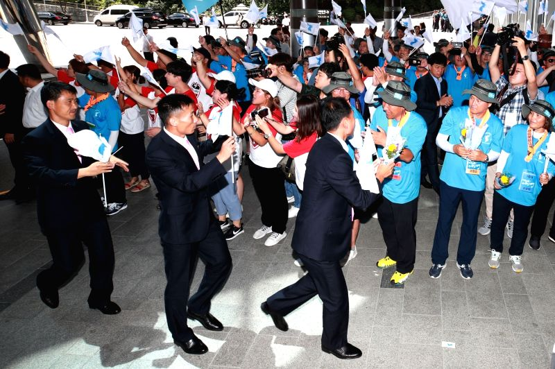 A group of Seoul citizens welcomes a North Korean workers' delegation at a hotel in western Seoul on Aug. 10, 2018. The delegation visited Seoul to participate in the Inter-Korean Laborers' ...