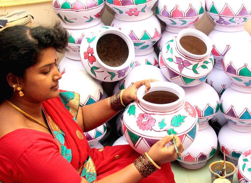 Earthen pots for Pongal