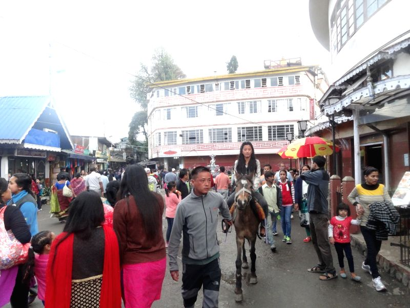 A large number of tourists busy shopping at the Chowrasta Mall in Darjeeling on May 28, 2016.