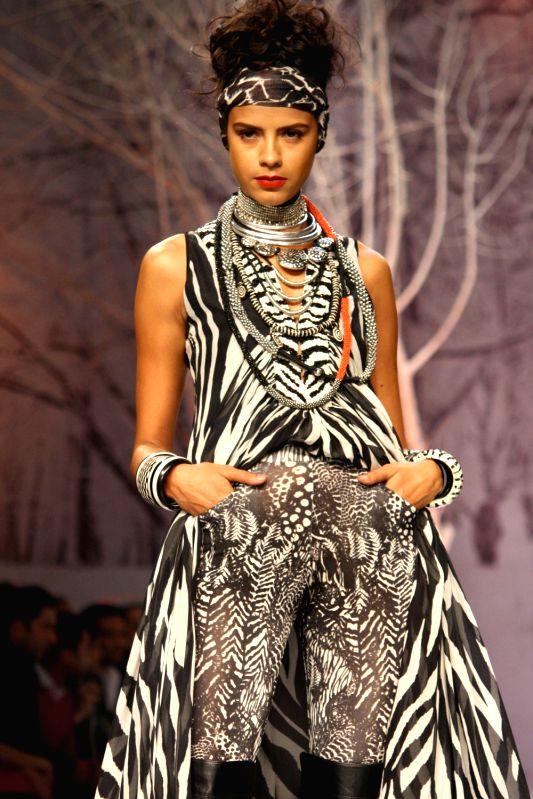 Wills Lifestyle India Fashion Week 2037