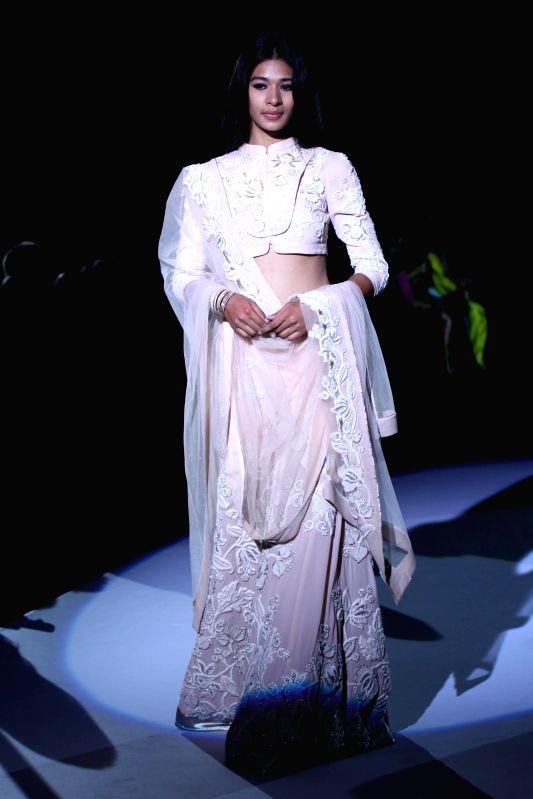 Wills Lifestyle India Fashion Week Spring Summer 2015 Vineet Bhal