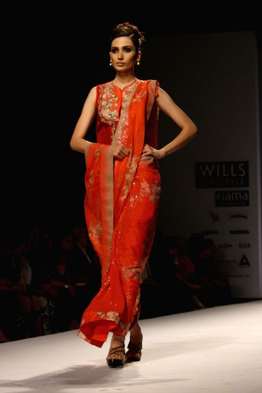 Wills lifestyle india fashion week autumn winter 39 14 nikasha for How to be a fashion designer at 14