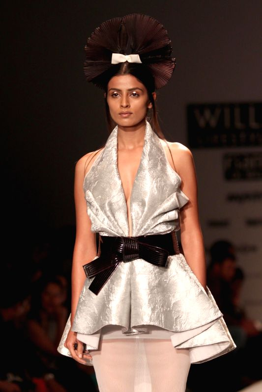Wills Lifestyle India Fashion Week Summer Spring 2015 Alpana And Neeraj
