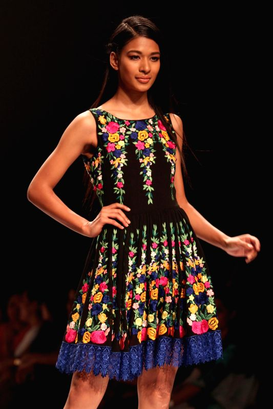 Wills Lifestyle India Fashion Week Summer Spring 2015 Reynu Taandon