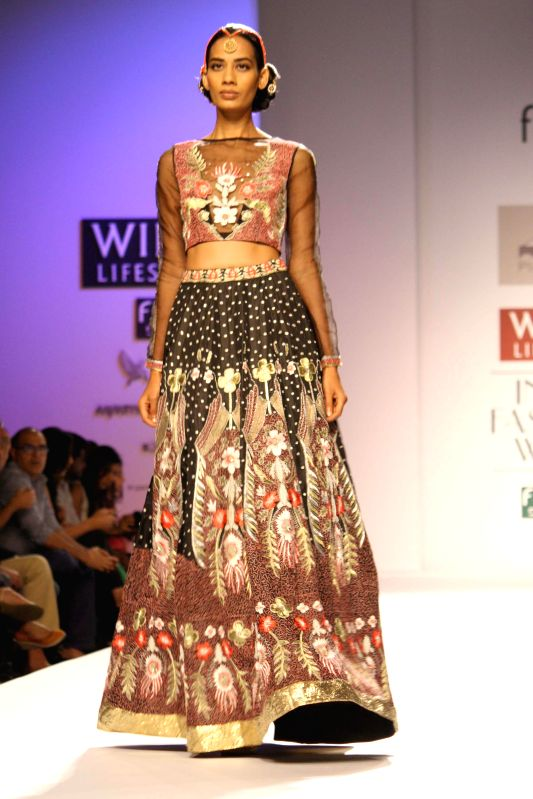 Wills Lifestyle India Fashion Week Autumn Winter 39 14 Pia Pauro