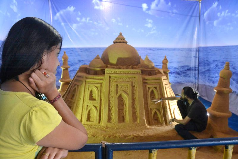 A sand sculpture of Taj Mahal at Family Fair in RBANM's Grounds of Bangalore on April 10, 2014.