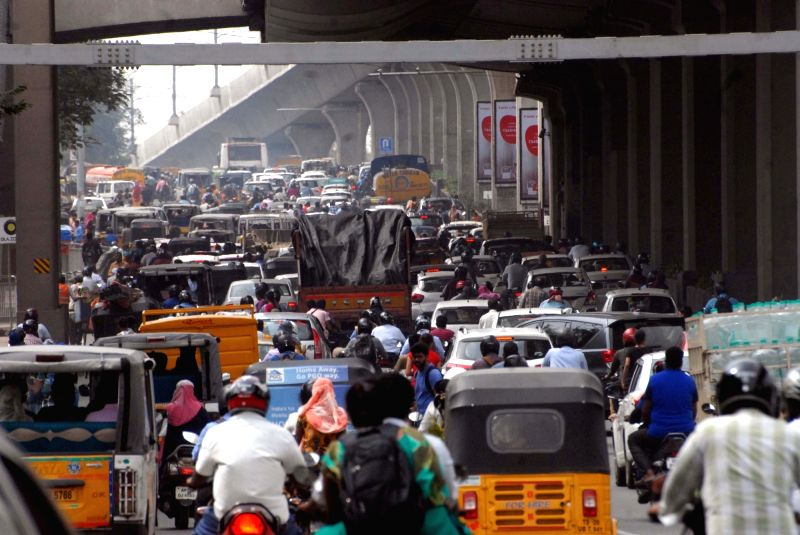 A view of busy traffic street after All India Coordination Committee of Road Transport Workers' Organisations call strike against Motor Vehicles (Amendment) Bill, in Patna, on Aug 7, 2018.