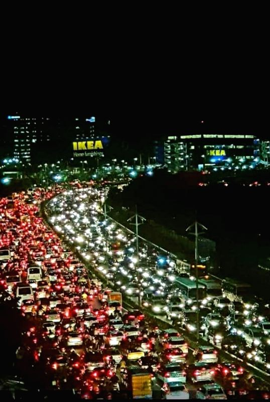 A view of busy traffic street after thousands of customer rushed to India's first IKEA showroom, in Hyderabad, on Aug 9, 2018.