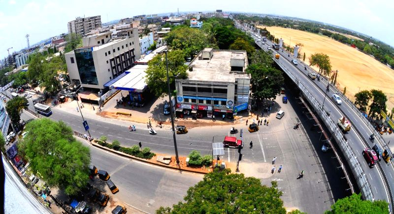 A view of deserted streets of Hyderabad during the eighth phase of 2014 Lok Sabha Polls on May 7, 2014.