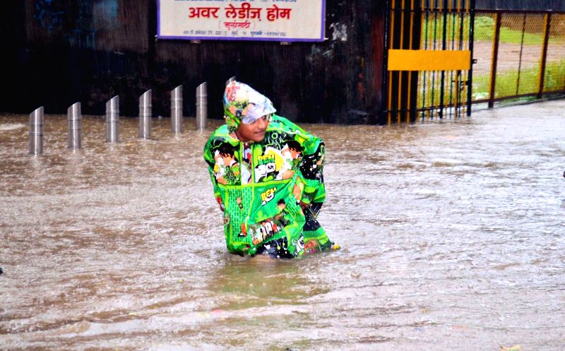 A view of flooded streets of Mumbai on Aug 5, 2016. Heavy rains since Friday morning flooded many parts of Mumbai, disrupting rail and road traffic as well as flights