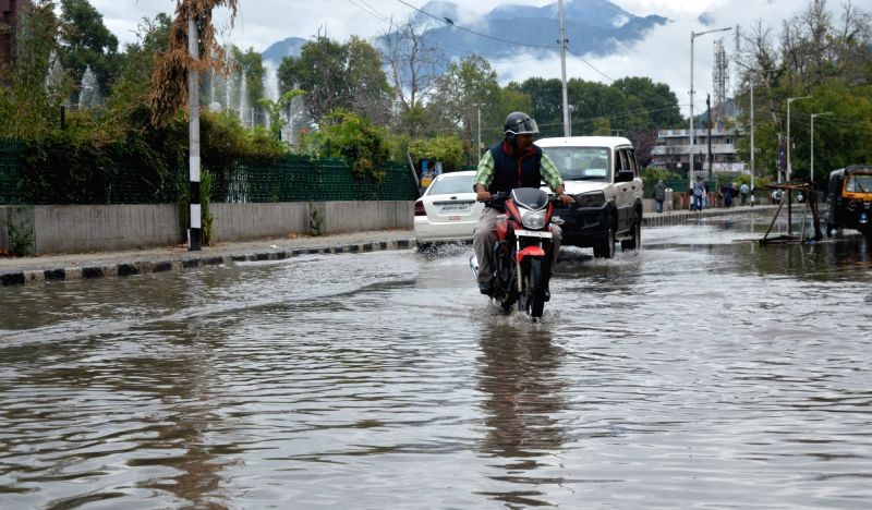 A view of waterlogged streets of Srinagar after heavy rains on Aug 7, 2018.