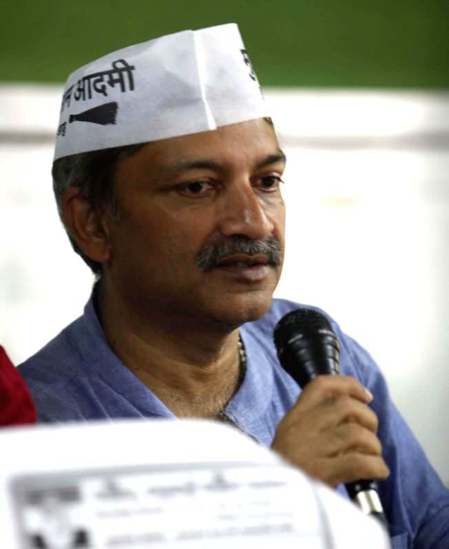 Aam Aadmi Party (AAP) candidate Mayank Gandhi addresses a press conference in Mumbai on April 17, 2014.