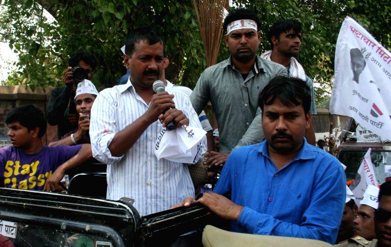 Aam Aadmi Party (AAP) leader Arvind Kejriwal during a roadshow in rural areas of Varanasi on May 7, 2014.