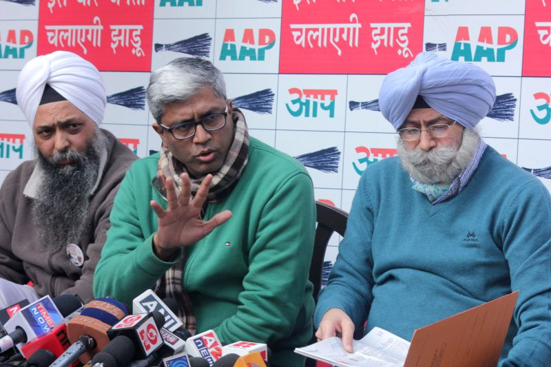 Aam Aadmi Party (AAP) leader Ashutosh addresses a press conference in New Delhi, on Jan 18, 2015.