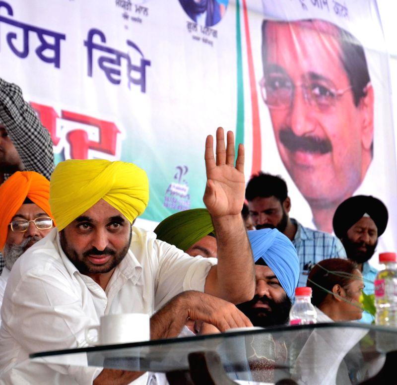 Aam Aadmi Party (AAP) MP from Sangrur, Bhagwant Mann during a rally organised during Rakhar Punia fair at Baba Bakal, near Amritsar  on Aug 10, 2014.