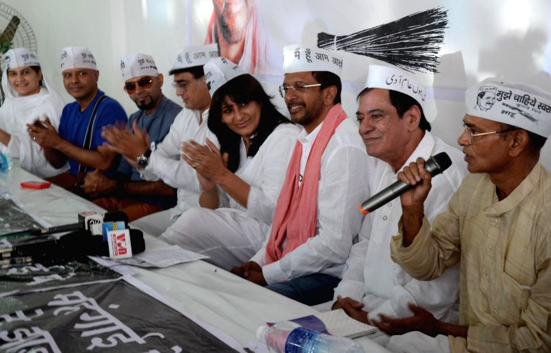 Aam Aadmi Party's candidate from Lucknow Jaaved Jaaferi with other actors supporting him during a press conference in Lucknow on April 27, 2014.