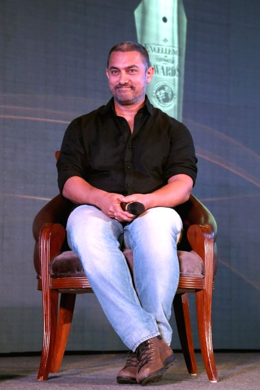 Aamir Khan addresses at the Ramnath Goenka Excellence awards ceremony in New Delhi on Nov 23,2015. - Aamir Khan