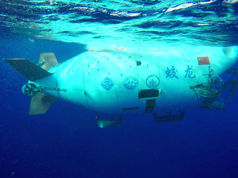 ABOARD XIANGYANGHONG 09, June 13, 2017 China's manned submersible Jiaolong dives in the Yap Trench in the west Pacific, June 13, 2017. The dive is the final one in China's 38th oceanic ...