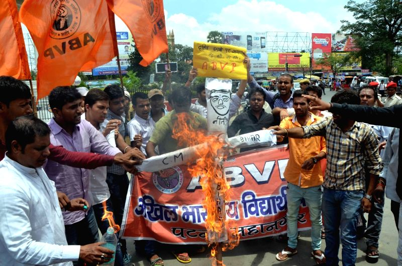 ABVP activists stage a demonstration against Bihar Chief Minister Nitish Kumar in Patna on Aug 4, 2016. - Nitish Kumar