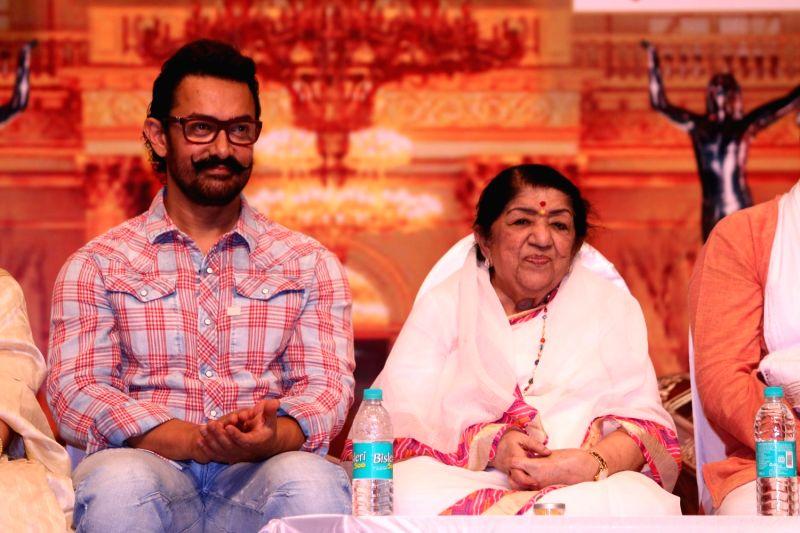 Actor Aamir Khan and singer Lata Mangeshkar