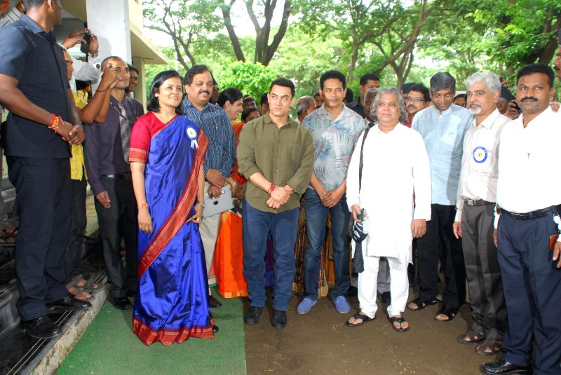 Actor Aamir Khan during the launch of My Marathi: Communicative Marathi For Beginners, Level 1 at the University of Mumbai, Kalina Campus in Mumbai, on August 13, 2014. - Aamir Khan