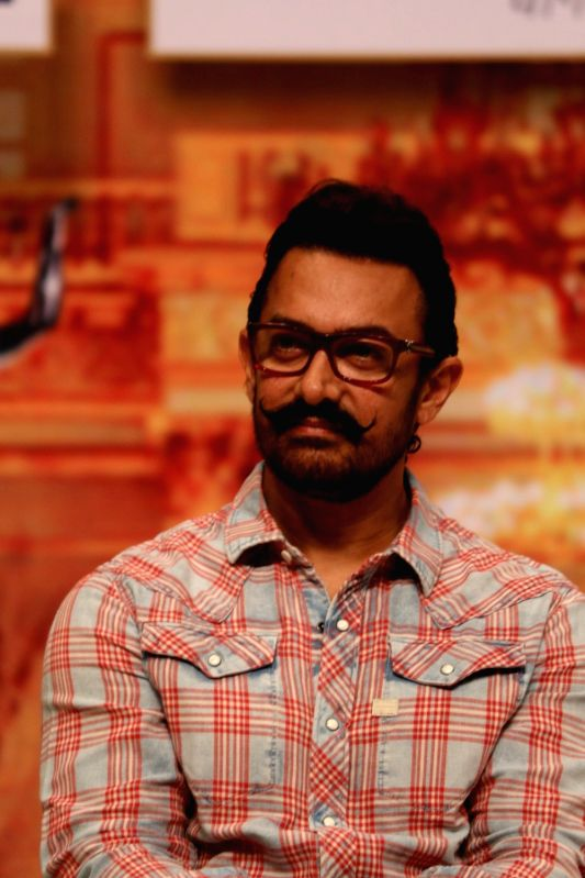 Actor Aamir Khan during the Master Dinanath Mangeshkar Purashkar in Mumbai on April 24, 2017. - Aamir Khan