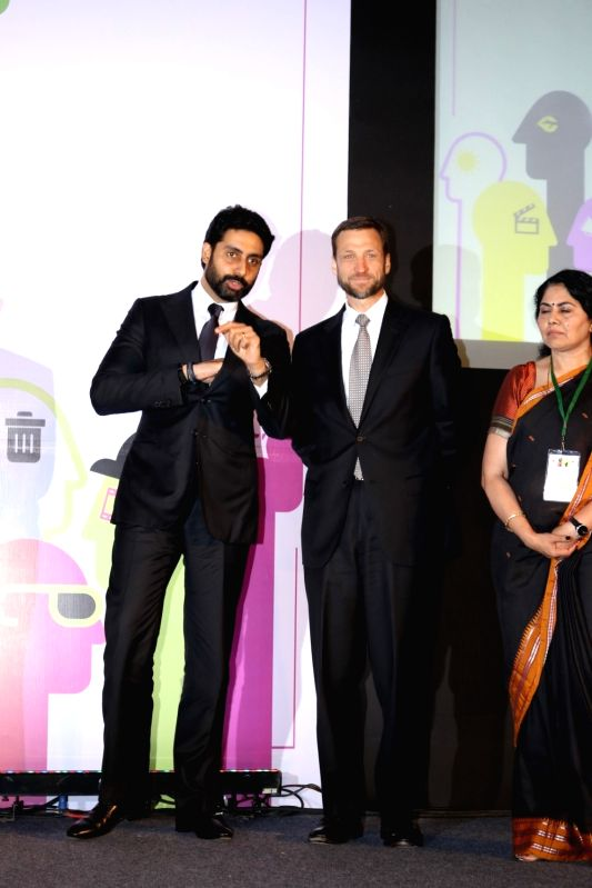 Actor Abhishek Bachchan and U.S. Consul General Thomas L. Vajda during the US Consulate Green Heroes Film Festival in Mumbai on April 25, 2017. - Abhishek Bachchan