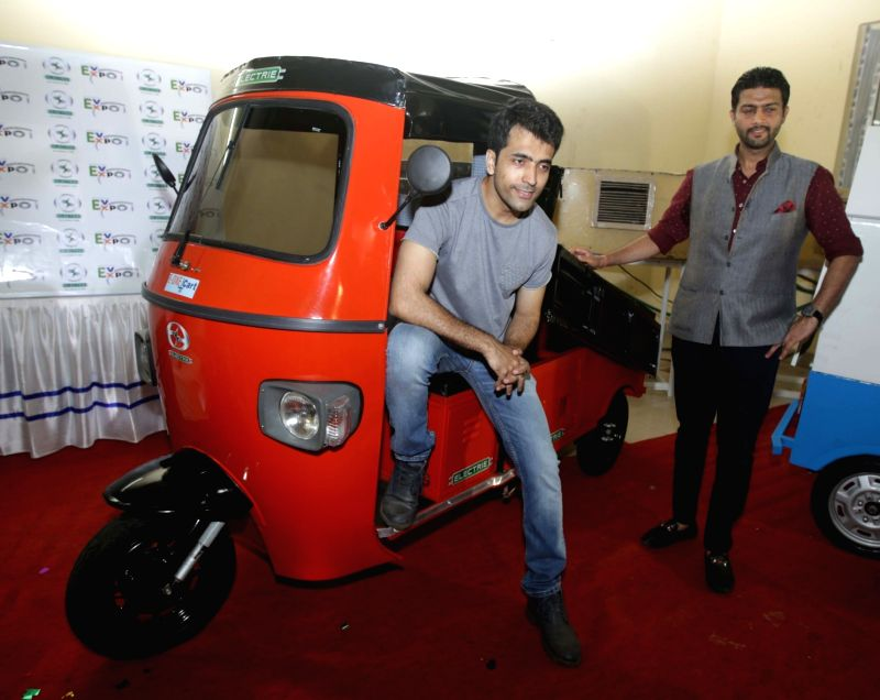 Actor Abir Chatterjee at the launch of e-vehicles at EVEXPO 2016 in Kolkata on 28 May 2016. - Abir Chatterjee