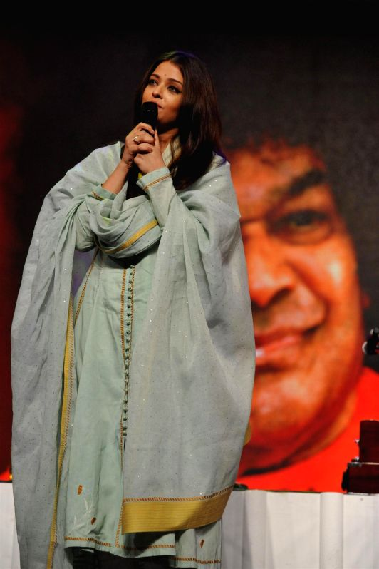 Actor Aishwarya Rai Bachchan during a musical concert of Pure Love Bhagavan Sri Sathya Sai Baba in Mumbai on April 27, 2014. - Aishwarya Rai Bachchan