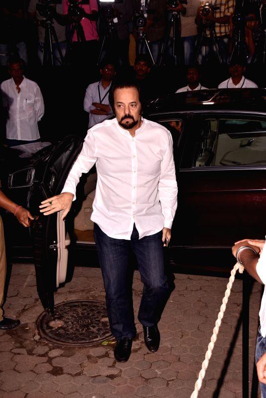 Shashi Kapoor's condolence meet - Akbar Khan and Shashi Kapoor