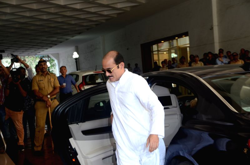 Actor Akshaye Khanna arrives to attend the prayer meet of his father and late actor Vinod Khanna at Nehru Centre in Mumbai, on May 3, 2017. - Akshaye Khanna and Vinod Khanna