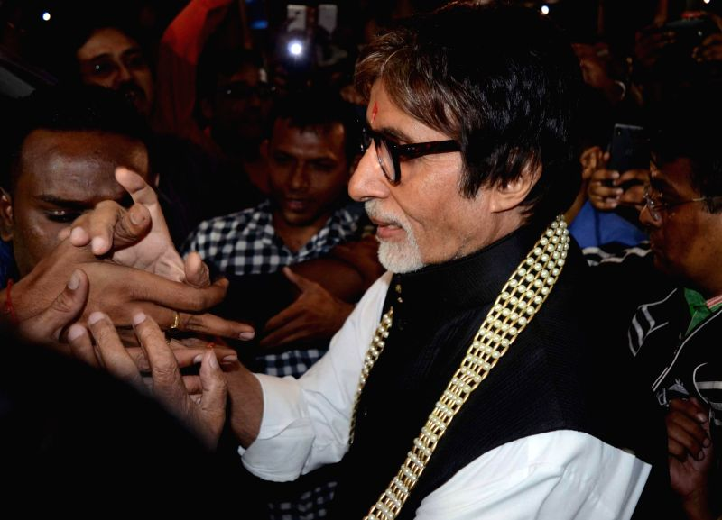 Actor Amitabh Bachchan arrives at Netaji Subhas Chandra Bose International Airport in Kolkata, on Nov 26, 2015.