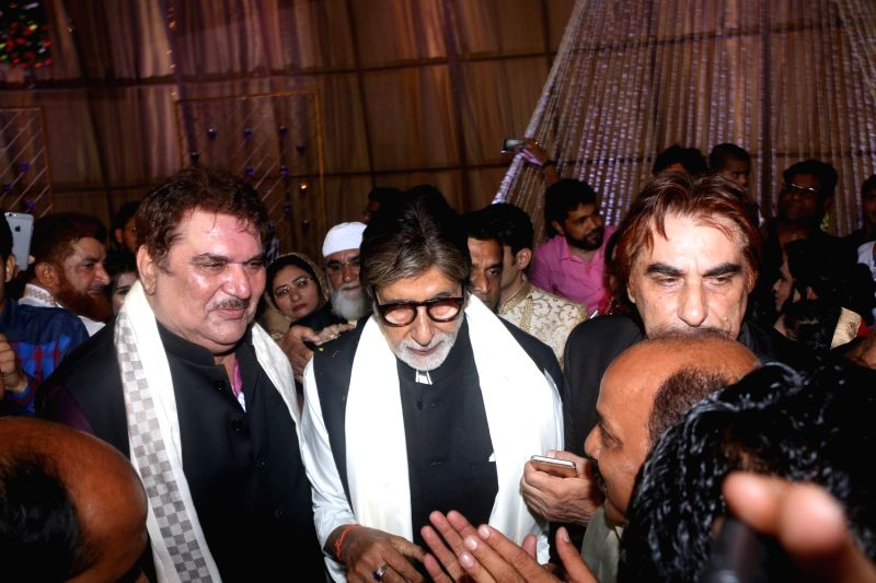 Actor Amitabh Bachchan at actor Ali Khan's daughter wedding reception in Mumbai on May 19, 2017. Also seen Raza Murad. - Amitabh Bachchan and Khan