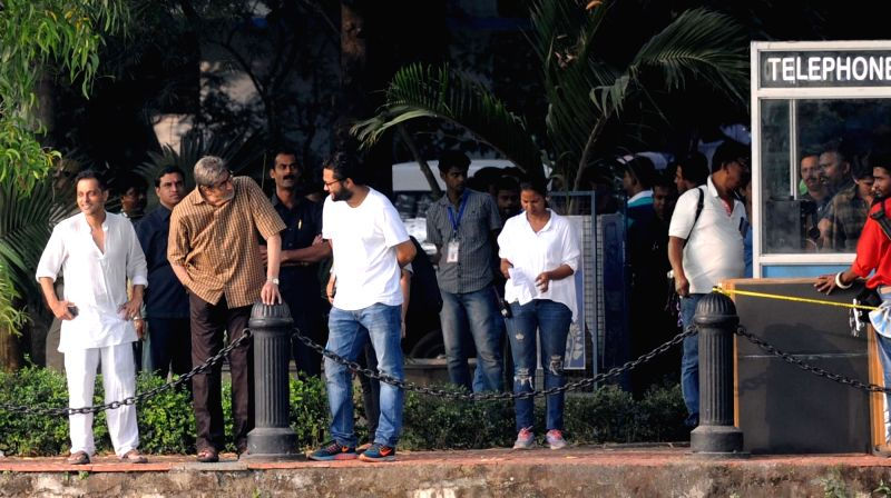 Actor Amitabh Bachchan  during the shooting for his upcoming film in Kolkata on Nov 27, 2015.