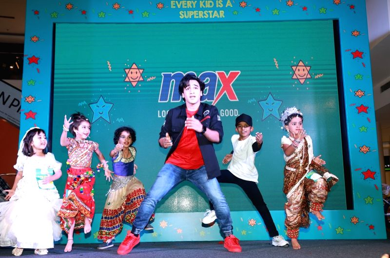 Actor and dancer Faizal khan dances with the young participants during Max Kids Festival, in Mumbai on May 26, 2018.