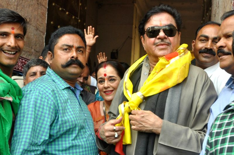 Actor and MP Satrughana Sinha with his wife Poonam Sinha visit Lord Jagannath Temple in Puri, Odisha on Nov 19, 2015. - Poonam Sinha