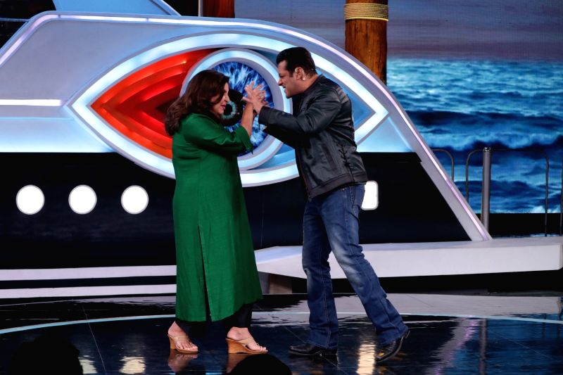 Actor and reality television show Big Boss Season 12 host Salman Khan with filmmaker Farah Khan on the sets of the show's 'Weekend Ka Vaar' episode in Mumbai on Nov 17, 2018. - Salman Khan and Farah Khan
